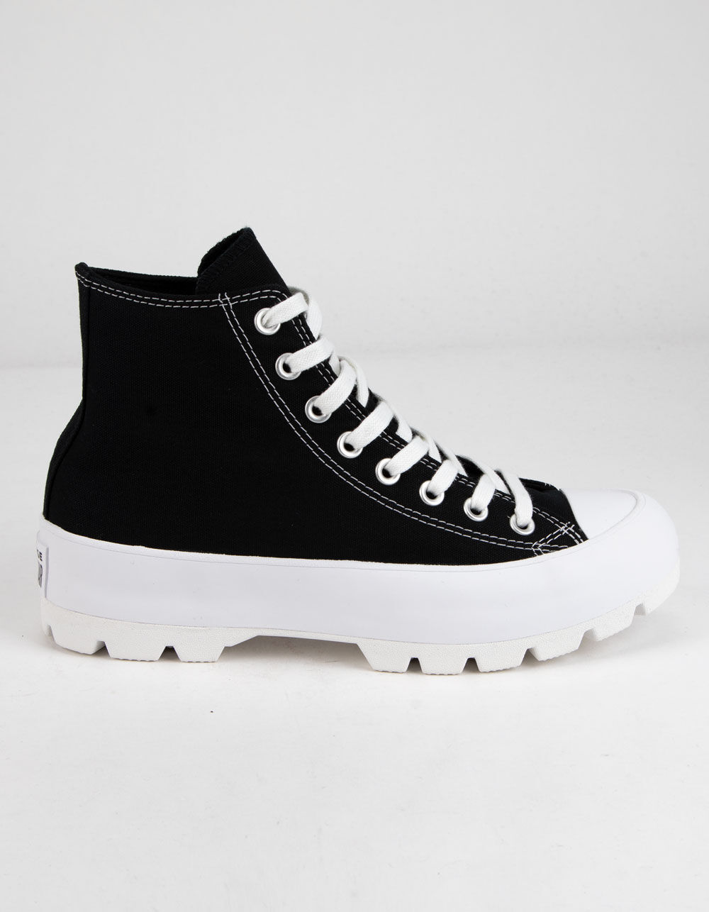 CONVERSE Chuck Taylor All Star Lugged Black and White High Tops