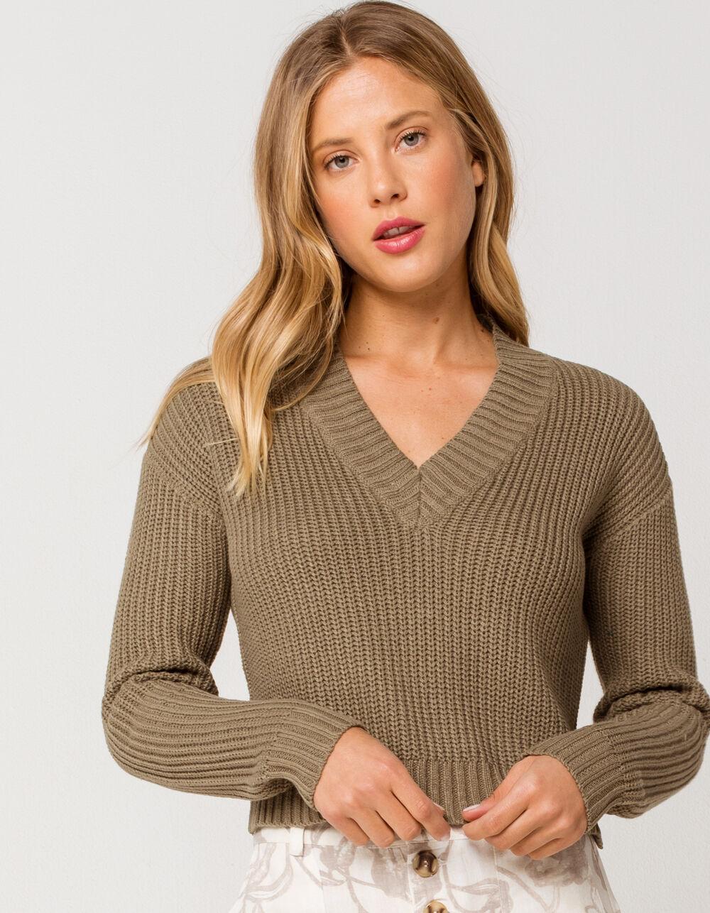 RETROD V-Neck Olive Crop Sweater