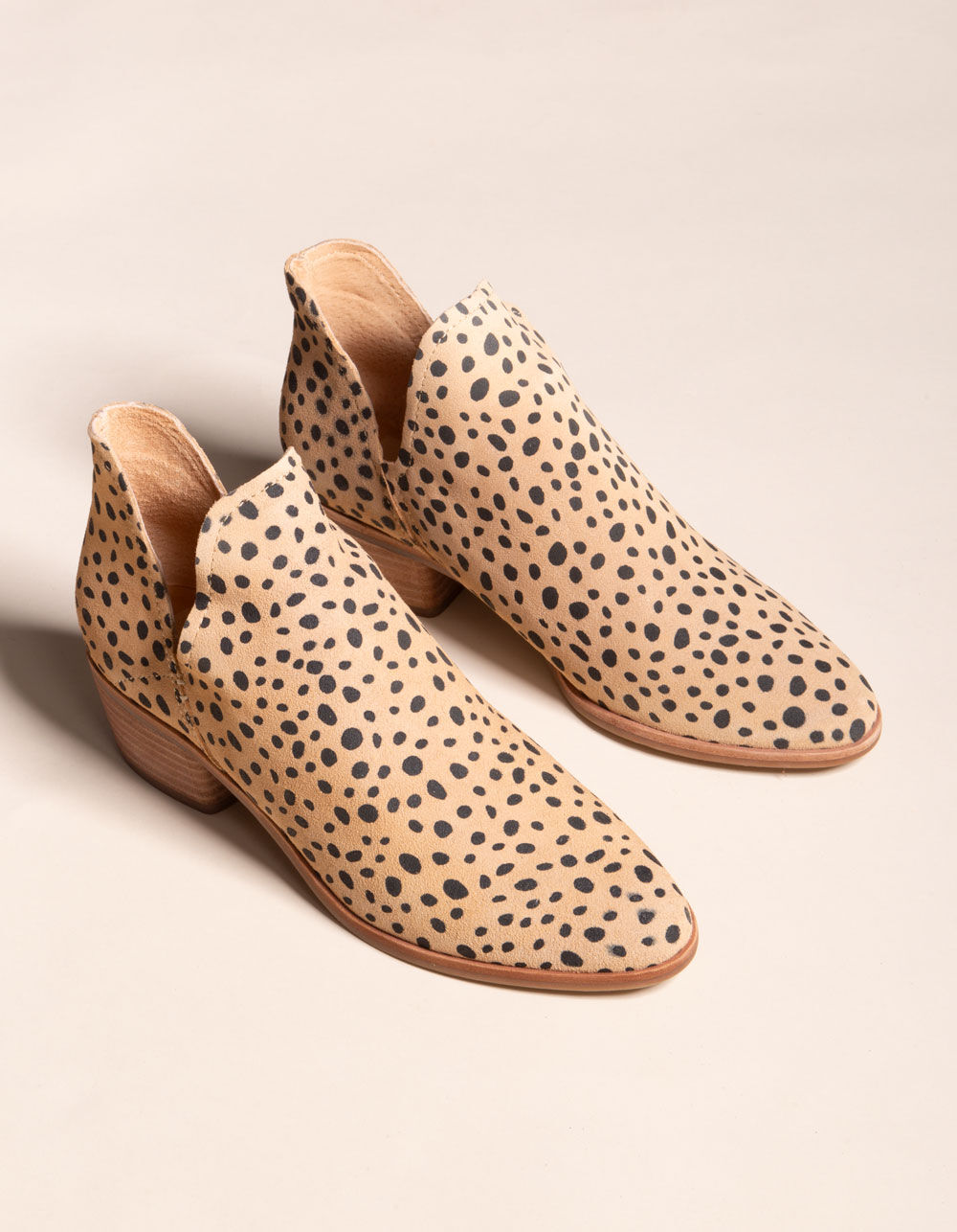 DOLCE VITA Chop Out Leopard Booties