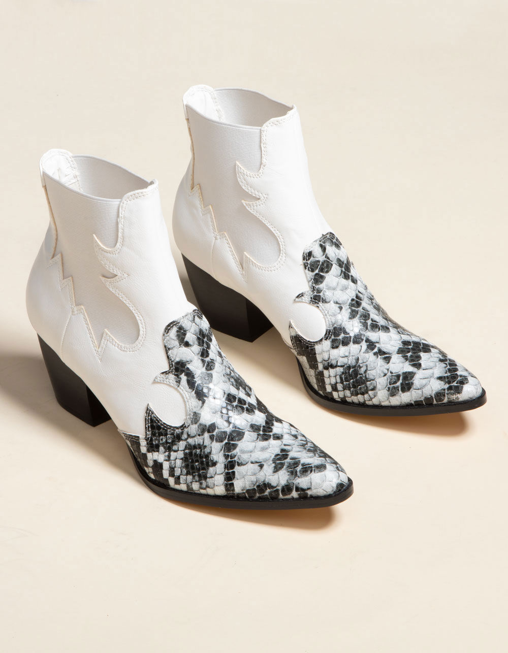 COCONUTS Western Toe White Booties